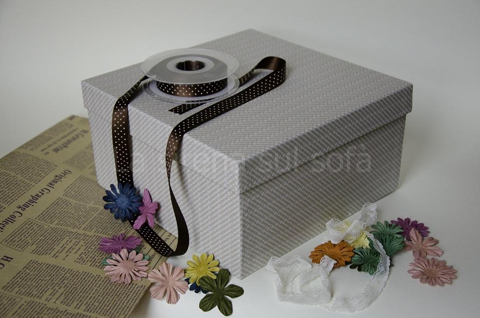 scatola e materiali