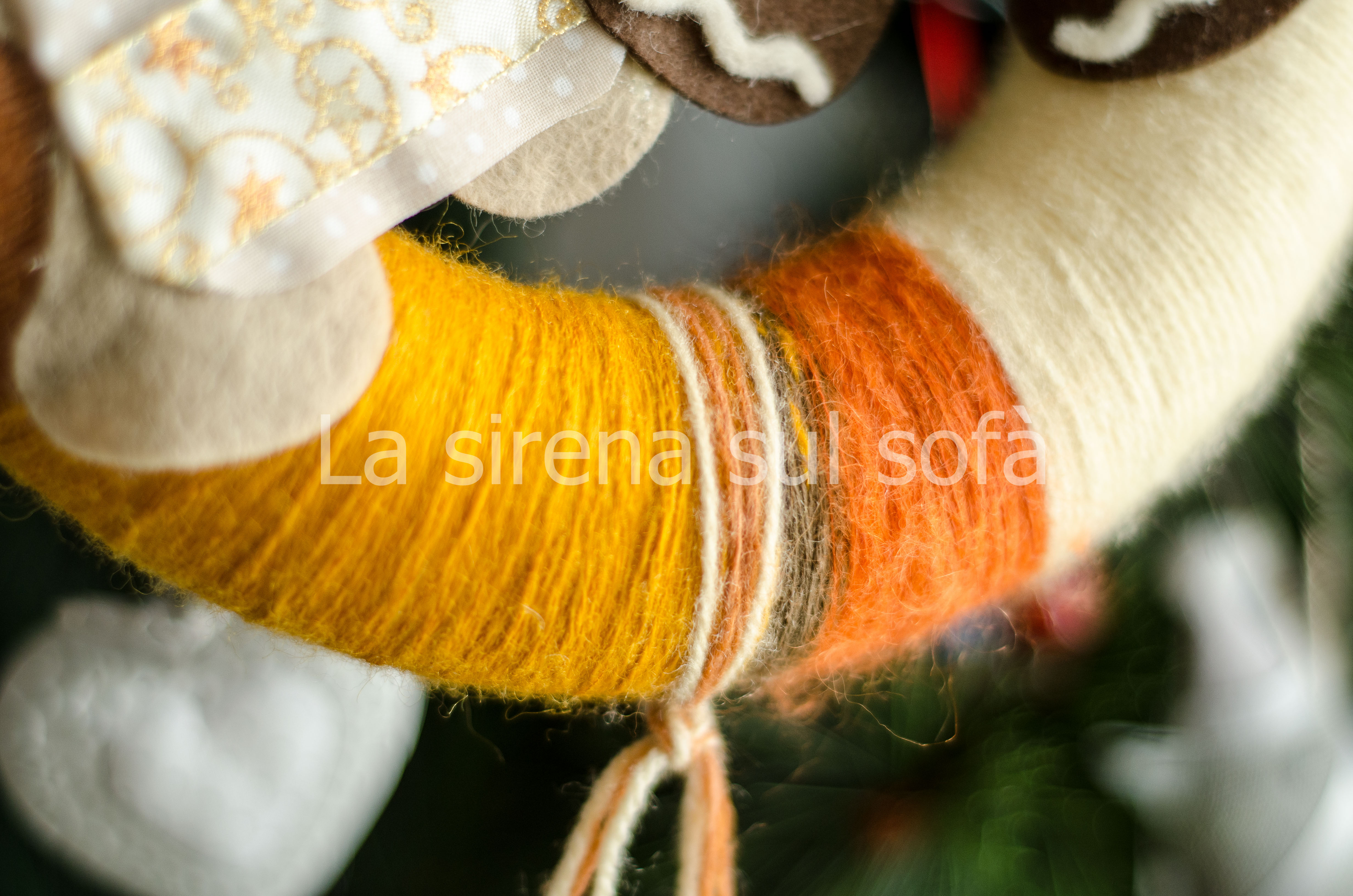 dettaglio ghirlanda lana